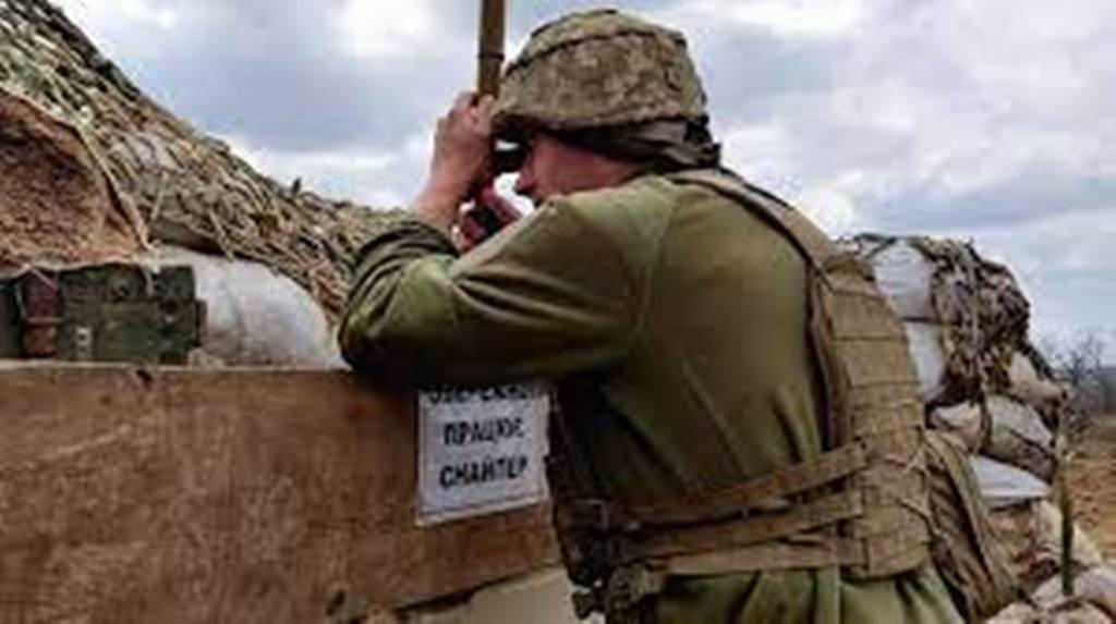 Ukraine: sur la ligne de front dans le Donbass, les soldats ukrainiens sur le qui-vive