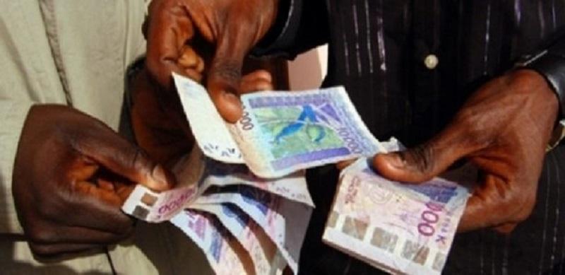 Au Sénégal, 9 travailleurs sur 10 sont payés en espèces et exclus de toute assurance maladie (rapport)