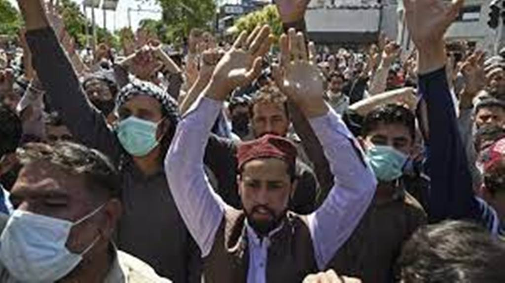 Pakistan: le Parlement va voter sur l'expulsion de l'ambassadeur de France