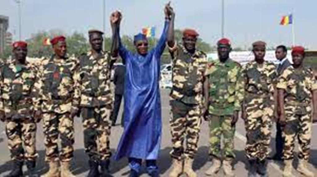 """Tchad : Idriss Déby Itno, le chef de guerre devenu """"gendarme du Sahel"""""""