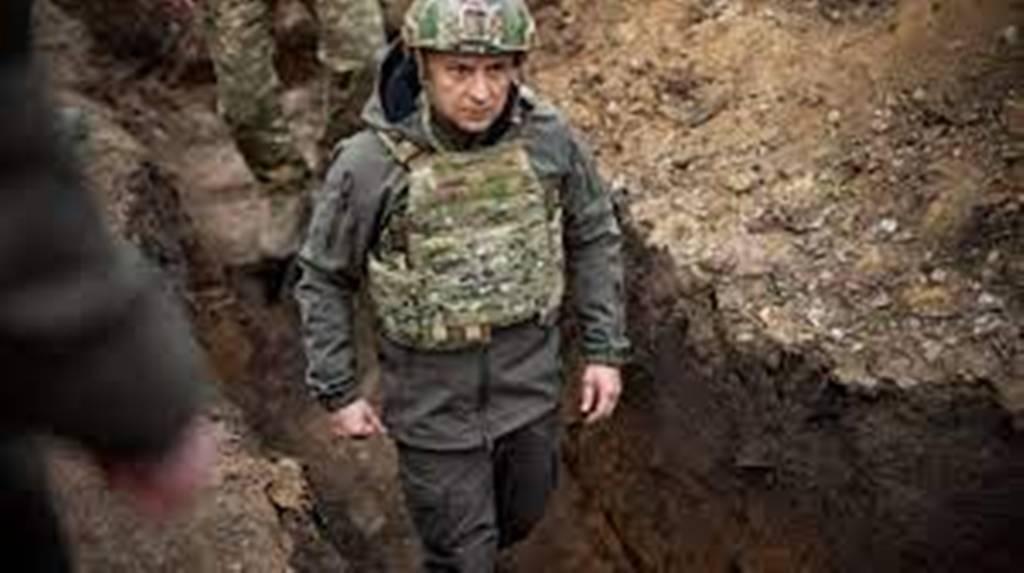 Le président ukrainien propose une rencontre à Vladimir Poutine pour éviter l'affrontement
