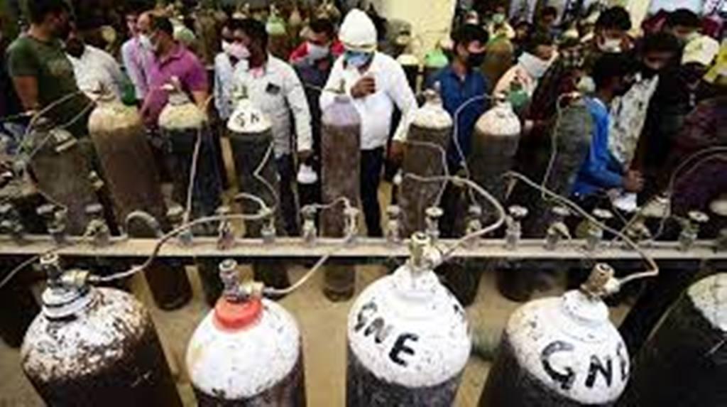 Covid-19 : en Inde, un record mondial de contaminations et une pénurie d'oxygène