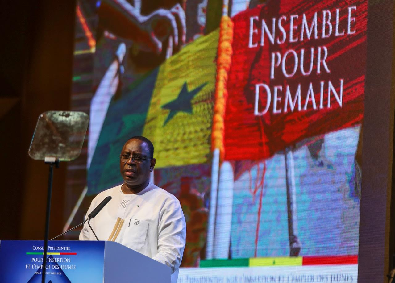 """Emploi - Macky Sall pose aux jeunes le """"problème de la structure démographique"""""""