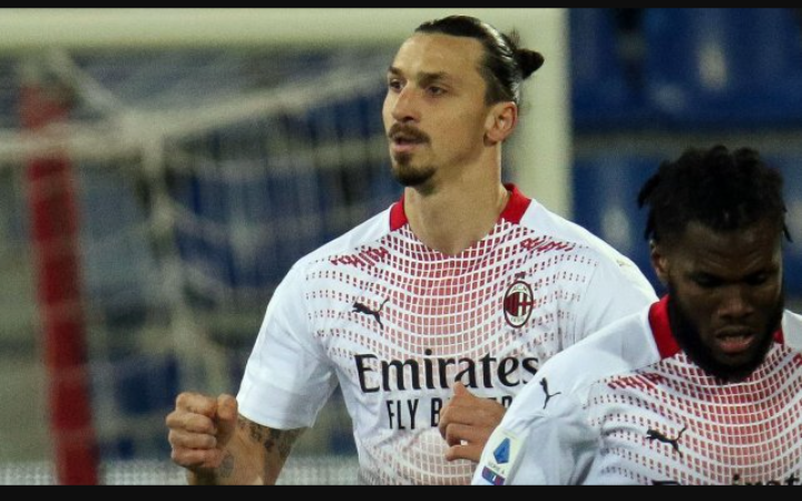 Zlatan Ibrahimovic prolonge l'aventure avec l'AC Milan