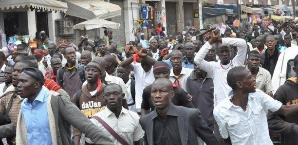 Privés de subvention municipale: les étudiants mbourois perturbent les cours dans toute la commune