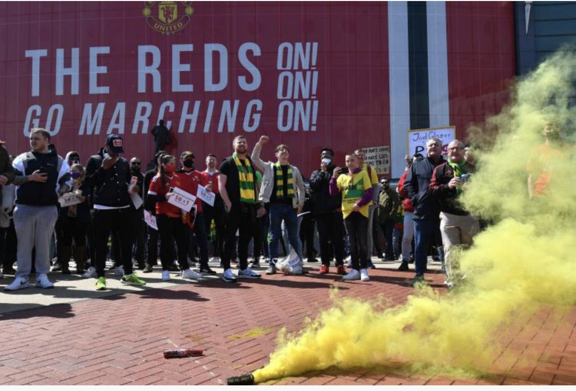 Le derby d'Angleterre entre Manchester United et Liverpool reporté à une date ultérieure