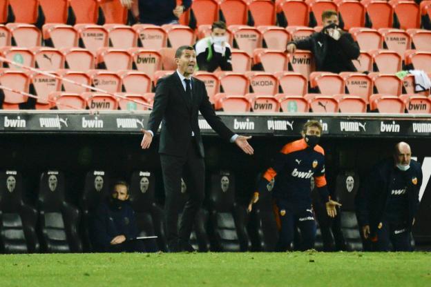 Valence licencie Javi Garcia !