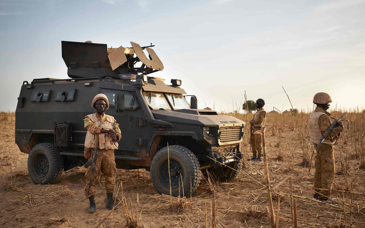 Au moins trente civils tués et un village saccagé dans une région de l'est du Burkina Faso