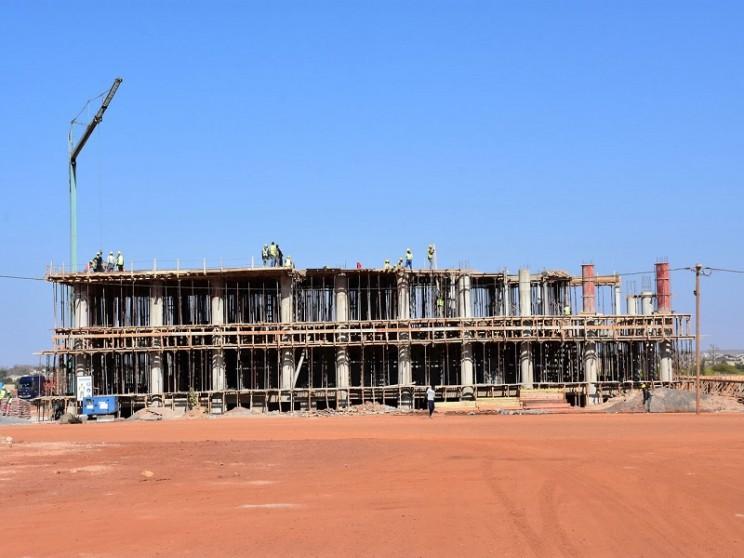 Le gouvernement arrête le projet Université Amadou Maktar Mbow pour refaire les études