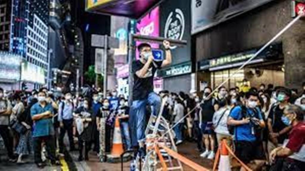Hong Kong: dix mois de prison pour Joshua Wong après une veillée de Tiananmen interdite
