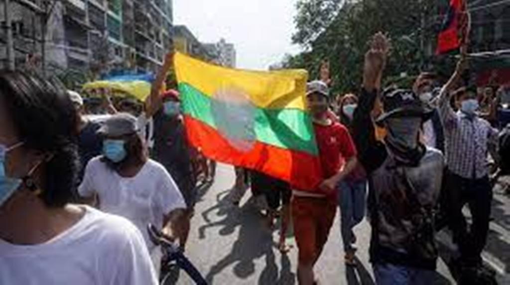 """Birmanie : """"Chaque sanction économique est un revers pour les militaires"""""""