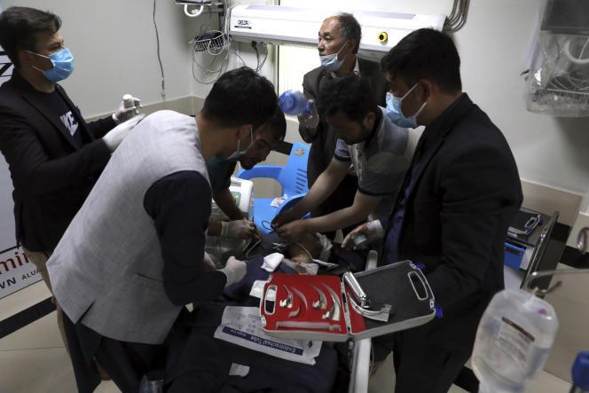 Des explosions font au moins 40 morts près d'une école à Kaboul