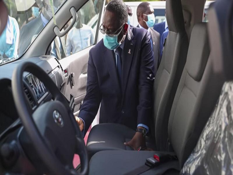 Acquisition de véhicules de fonction : Macky Sall corse les mesures et n'épargne pas ses collaborateurs