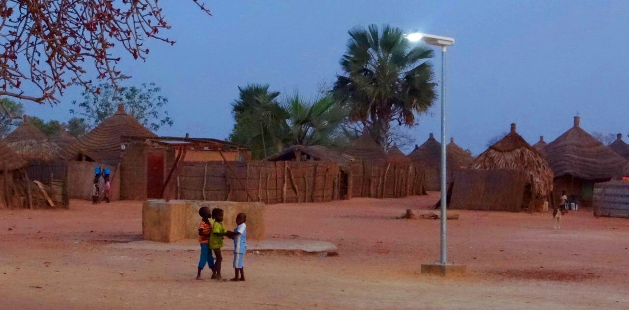 Projet 100 000 lampadaires: les fournisseurs sénégalais alertent Macky