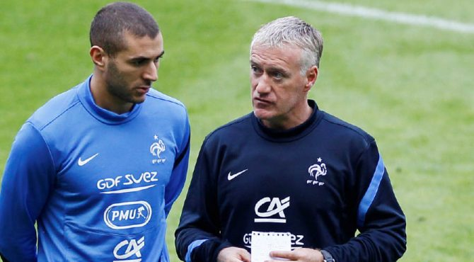 "Équipe de France: Deschamps confirme avoir ""discuté"" avec Benzema"