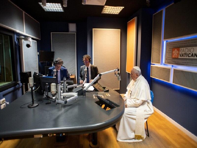 François aux médias du Vatican: soyez fonctionnels et créatifs
