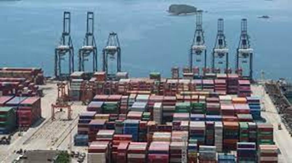 Commerce mondial: embouteillages dans les ports chinois