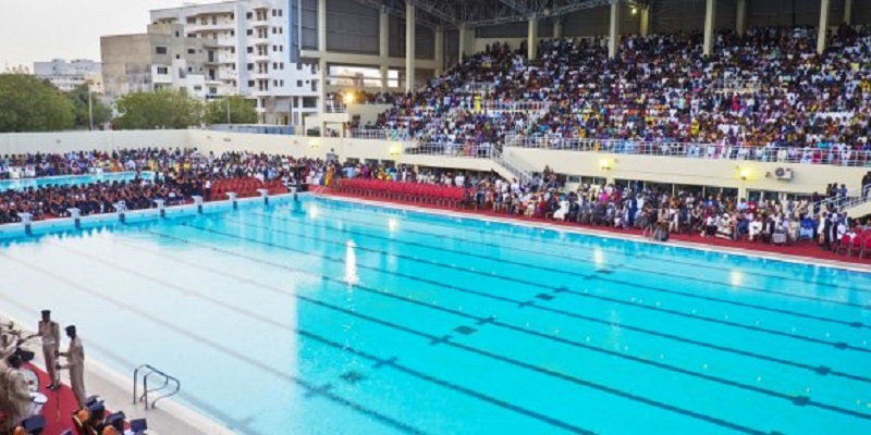 Soham Wardini vire le Directeur de la piscine Olympique