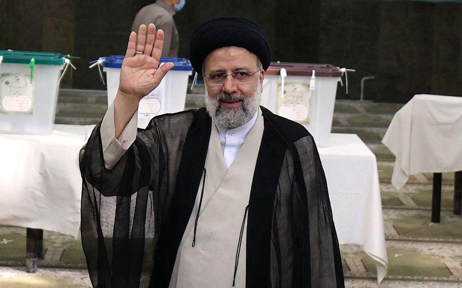 Iran: Ebrahim Raïssi élu président avec 62% des voix, selon des résultats partiels