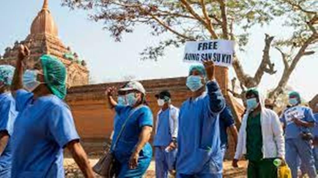 Birmanie : les médecins, cibles des militaires en pleine résurgence du Covid-19