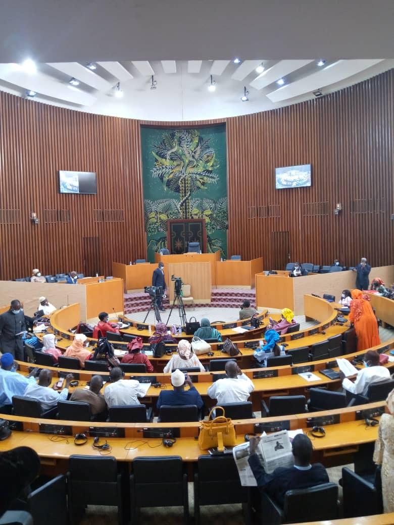 Direct Assemblée nationale – vote Code électoral : Députés et autorités se font encore désirer