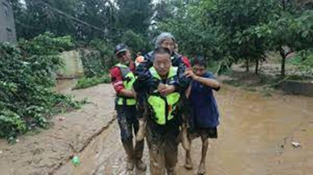 Chine: après les inondations, la ville de Zhengzhou panse ses plaies