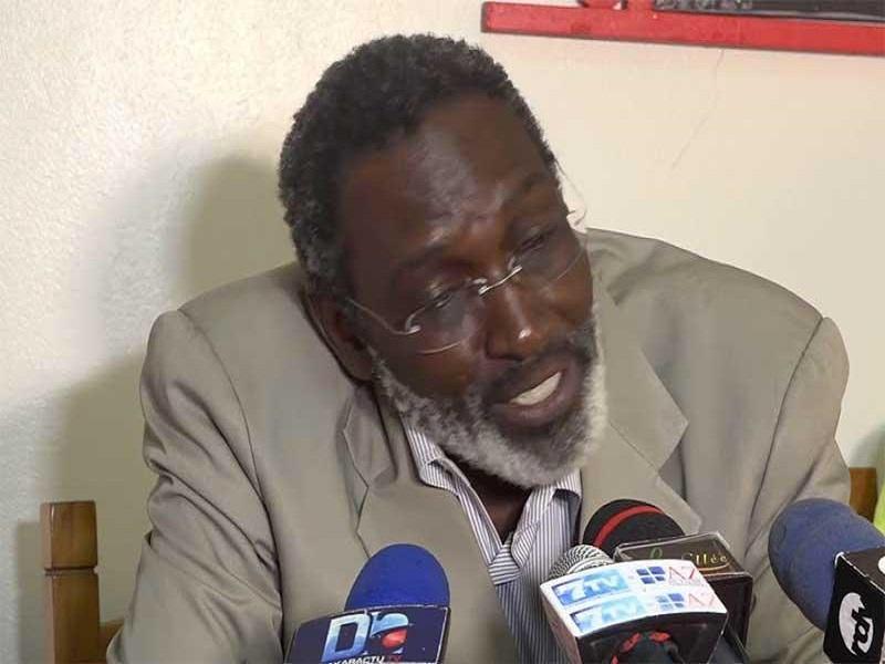 """Dr Babacar Niang : « On a perdu 7 jeunes âgés entre 32 et 42 ans, en un seul jour à mon service"""""""