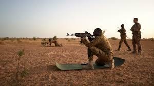 Burkina Faso: 15 soldats et 11 civils tués par des attaques dans la région du Sahel