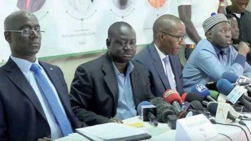 """TAS, Tekki, Abdoul Mbaye, le CRD et Jotna forment un coalition et taclent les """"grands"""" de l'opposition"""