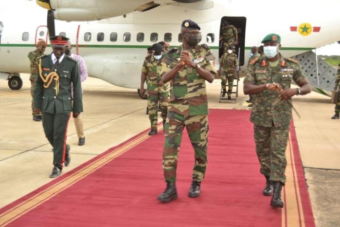 Le chef d'état-major général des Armées en visite de travail en Gambie