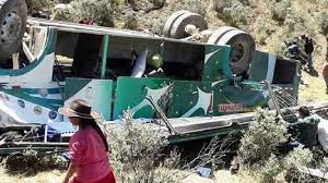 Pérou: au moins quinze morts dans un acident de bus transportant des mineurs