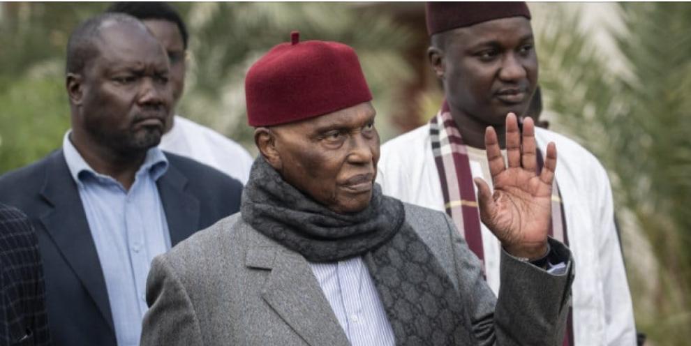 """Me Abdoulaye Wade: """"le Pds est debout pour la reconquête du pouvoir"""""""