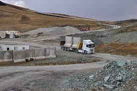La Turquie construit un mur pour bloquer les réfugiés afghans à la frontière iranienne