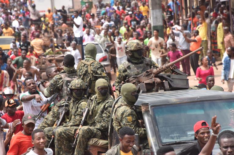 Coup d'Etat militaire en Guinée: quelles leçons en tirer ?
