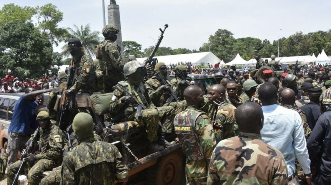 Coup d'État en Guinée: le rôle des forces spéciales dans les armées ouest-africaines interroge