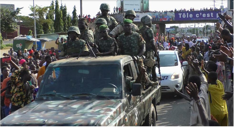 Guinée: les concertations annoncées par la junte suscitent attentes et interrogations
