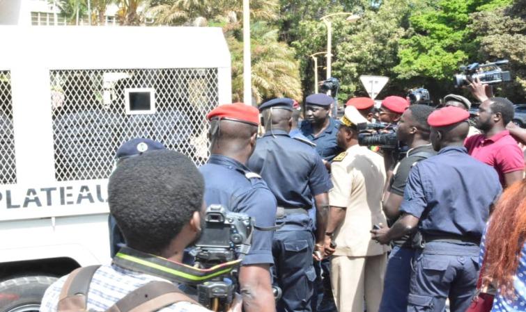 Marche contre la vie chère: 10 manifestants arrêtés et transportés au Commissariat de Grand Dakar