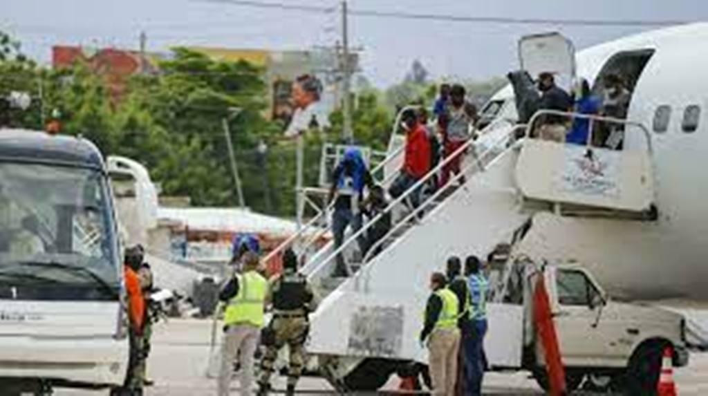L'administration Biden accélère l'expulsion de milliers de migrants du Texas vers Haïti