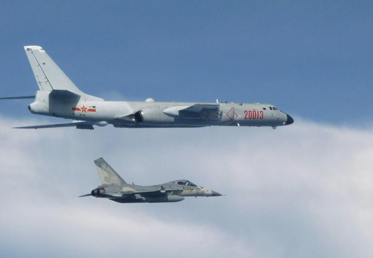 Taiwan: selon Taipei, un nombre record d'avions militaires chinois ont pénétré dans leur zone d'identification de défense aérienne