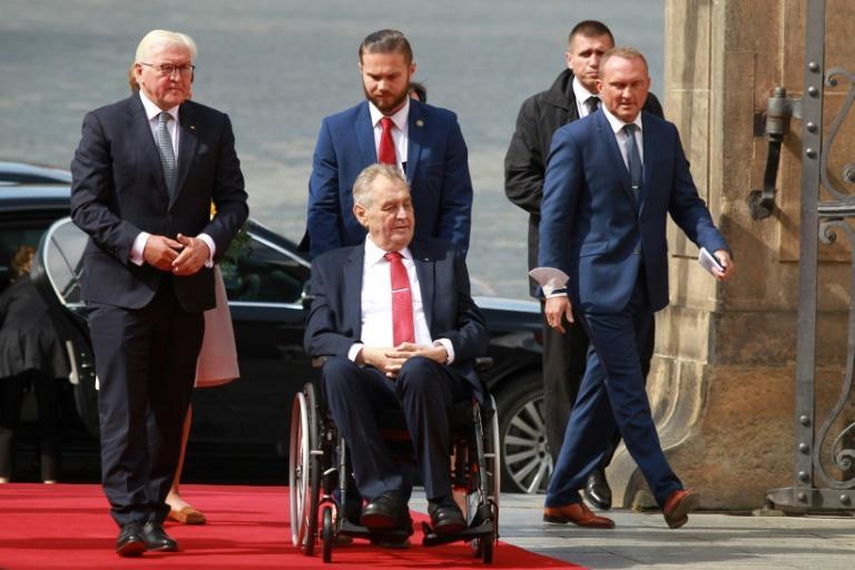 Le président tchèque hospitalisé au lendemain des législatives