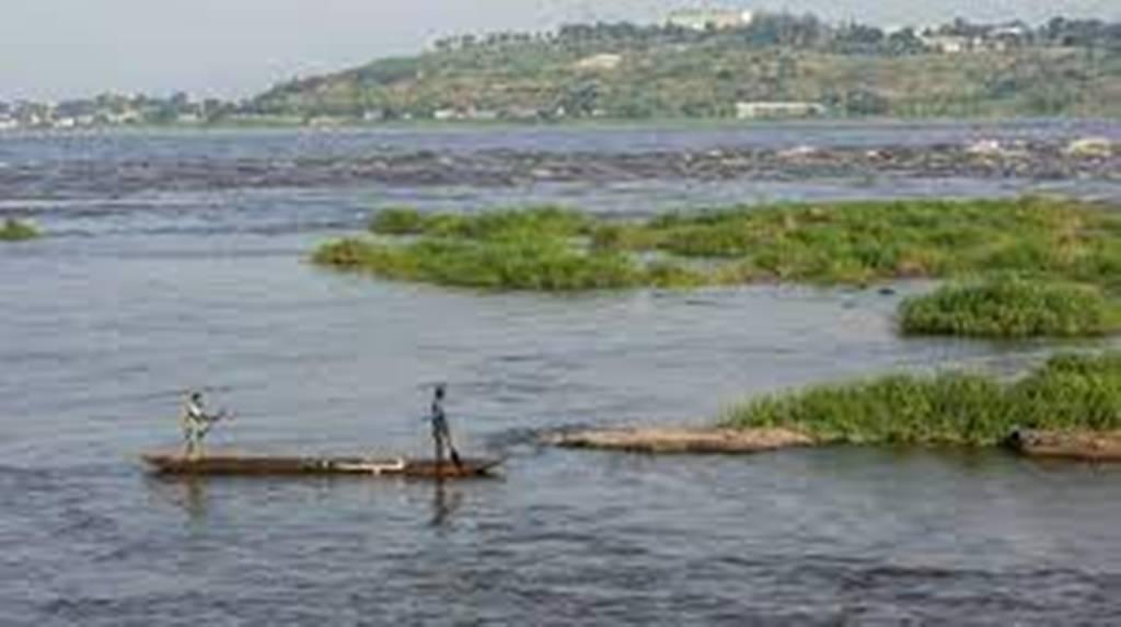«Il n'y a plus de routes !»: trois jours de deuil après le naufrage sur le fleuve Congo