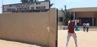 Mbour: Assane Ngom heurte deux personnes et se met a rire à la barre