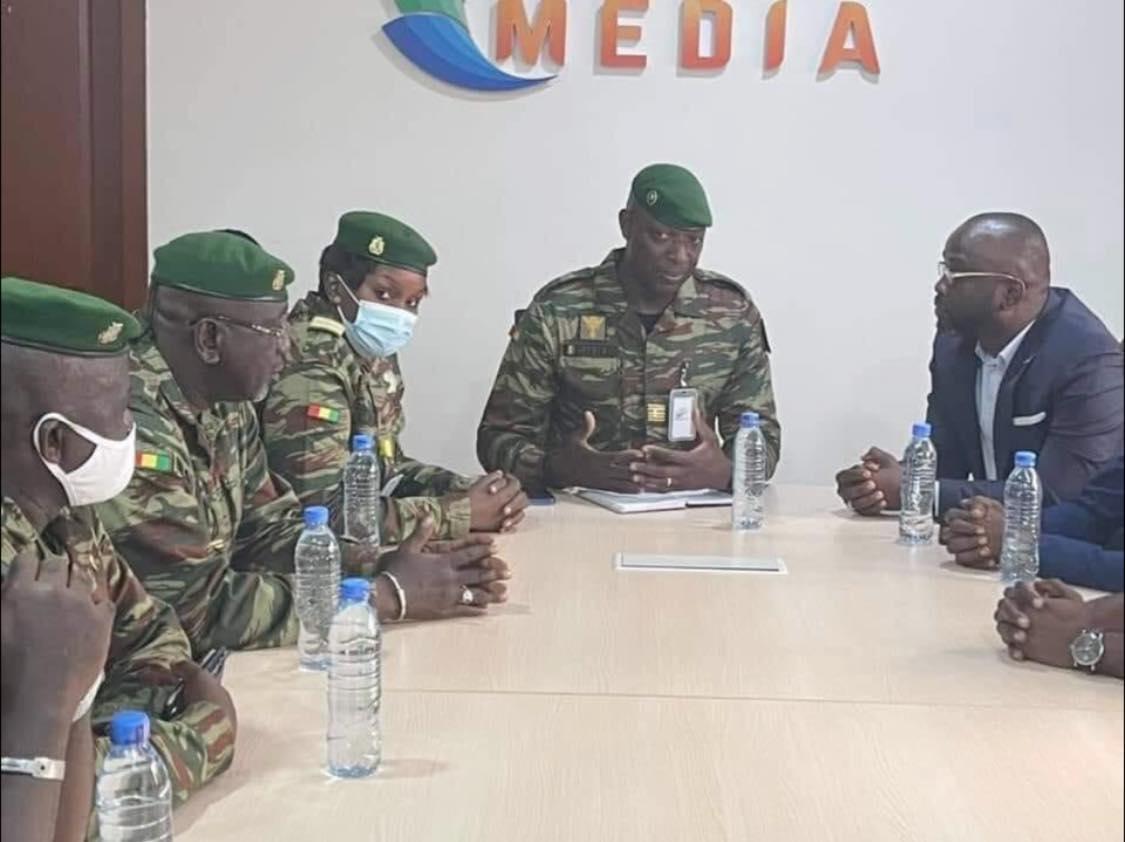 Guinée: la junte gèle les comptes du groupe de presse Djoma Média de l'ex-intendant d'Alpha Condé
