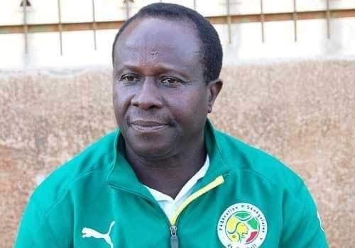 Macky Sall sur le décès de Joseph Koto : « Je garderai de lui et à jamais le souvenir d'un grand joueur de football...»