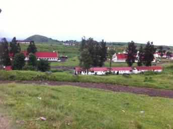 Le camp miliaire de Rumangabo construit à l'époque coloniale était depuis un an devenu l'état major du M23. RFI/ Léa Lisa Westerhoff