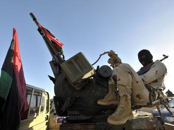 Libye: le Premier ministre évoque une possible intervention militaire étrangère