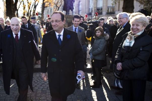 Fançois Hollande hué lors des commémorations du 11 novembre