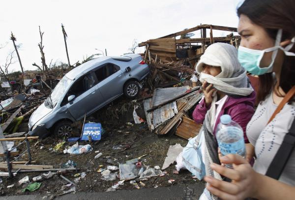 Philippines: l'aide tarde à parvenir aux survivants d'Haiyan
