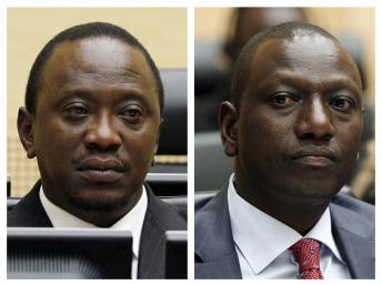 Le chef de l'Etat kényan Uhuru Kenyatta (g) et son vice-président William Ruto REUTERS/Bas Czerwinski/Pool/Files