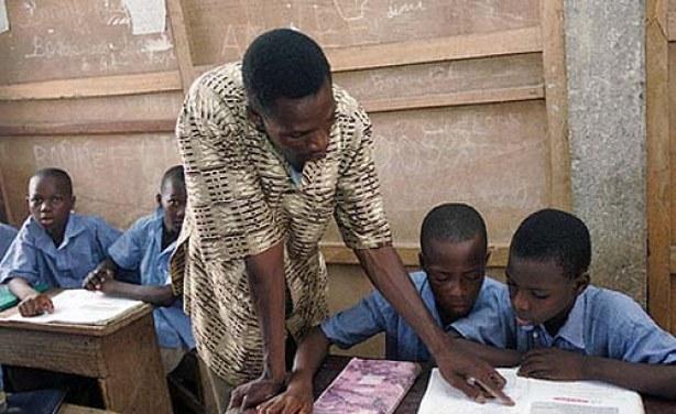 Plaidoyer pour une cohérence systémique des missions et choix stratégiques de l'Education Nationale en matière de formation des enseignants du secondaire